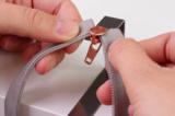Zipper pull tool_