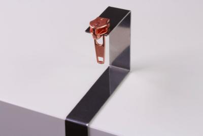 Zipper pull tool